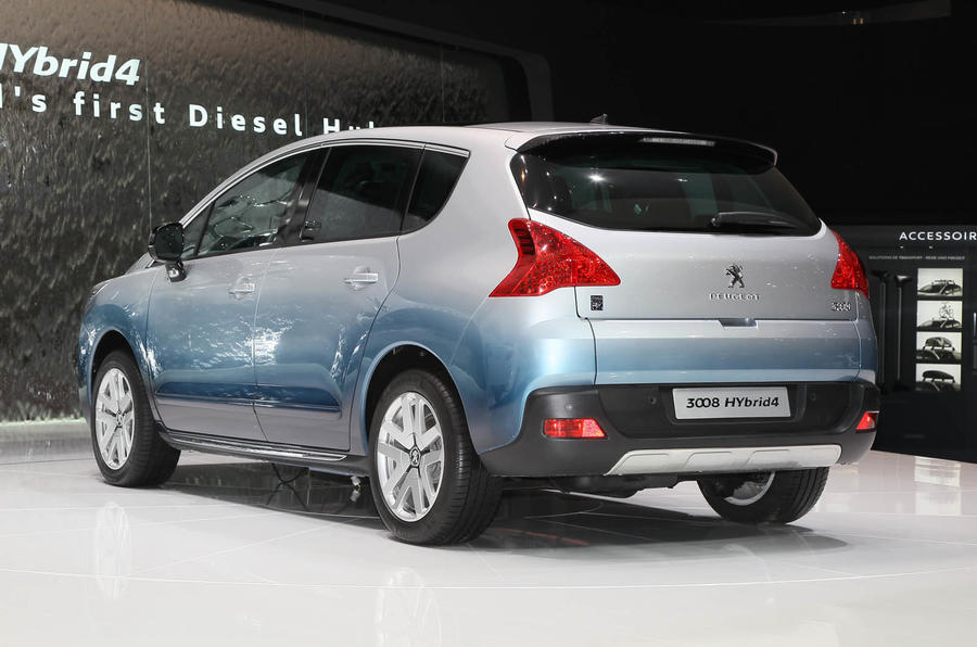 Geneva motor show: Peugeot 3008 HYbrid4