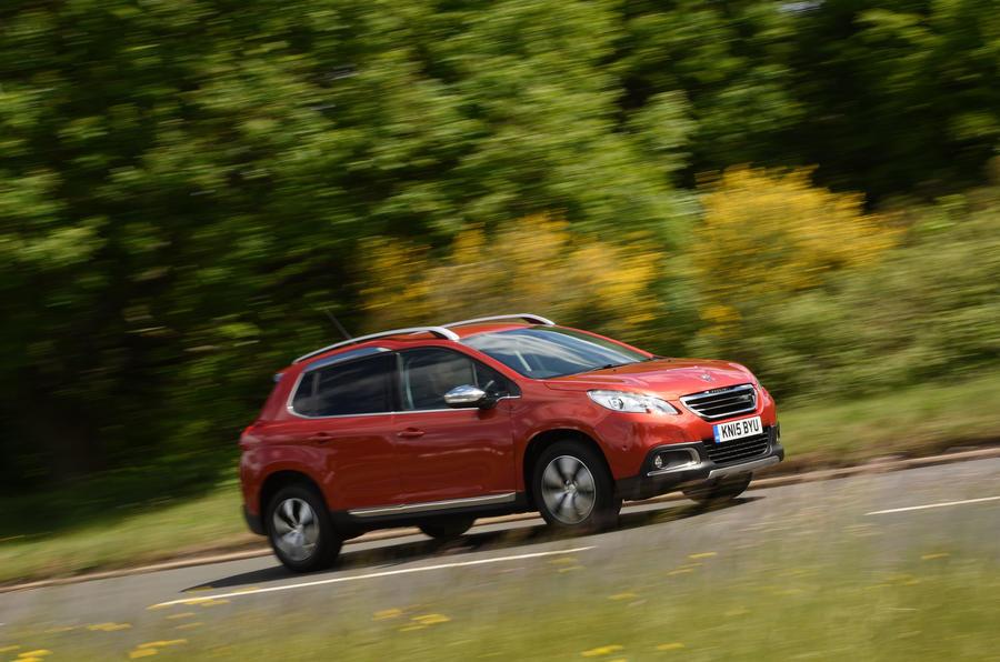 Peugeot 2008 cornering