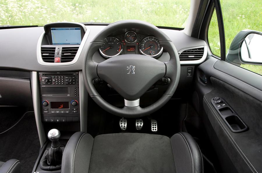 Peugeot 207 dashboard
