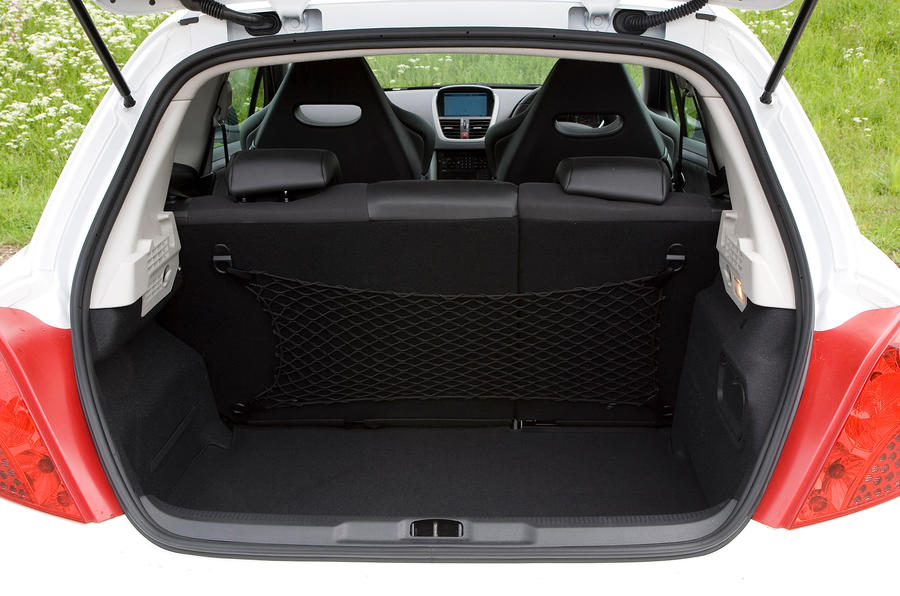 Peugeot 207 boot space
