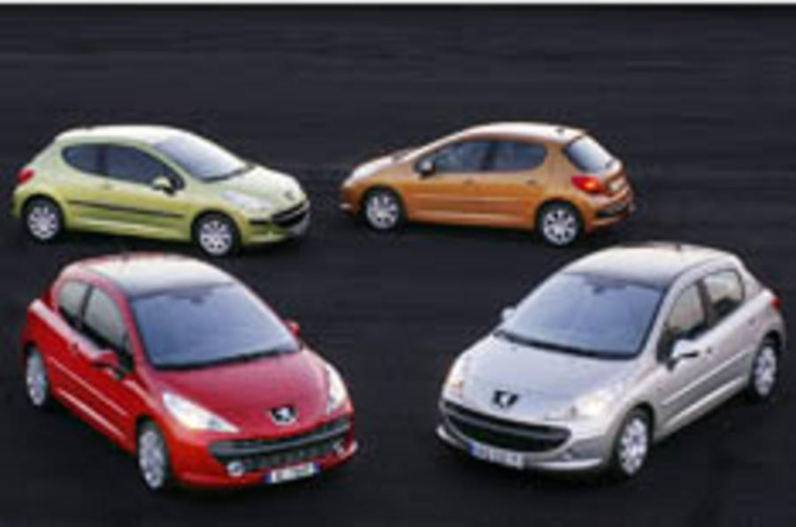 Peugeot prices the 207