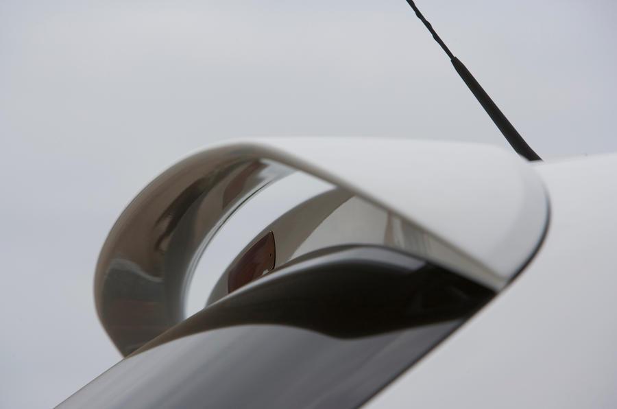 Peugeot 207 roof spoiler