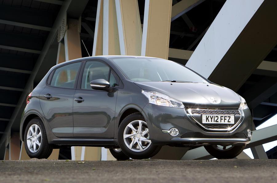 3 star Peugeot 208