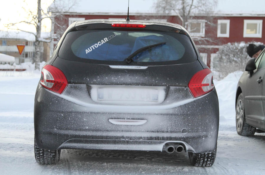 Spy pictures: Peugeot 208 GTI