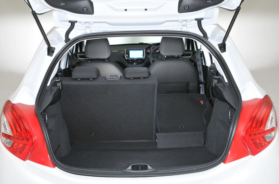 Peugeot 208 boot space