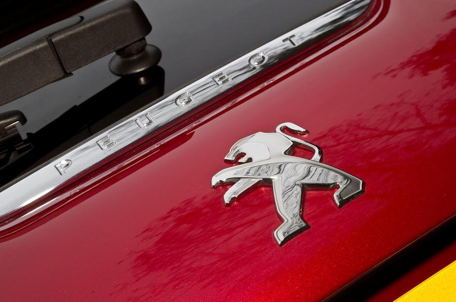 Peugeot badging