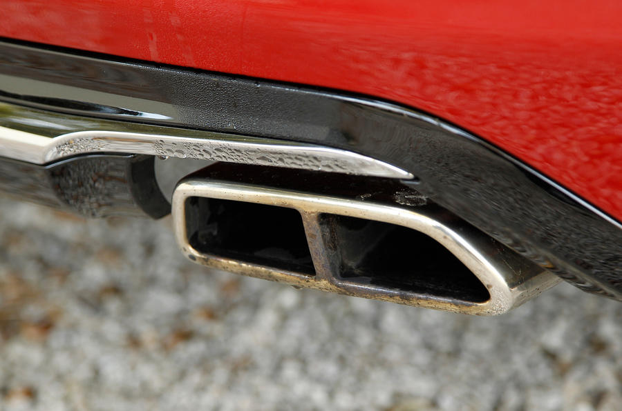 Peugeot 208 GTi twin exhaust