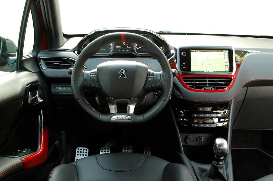 Peugeot 208 GTi dashboard