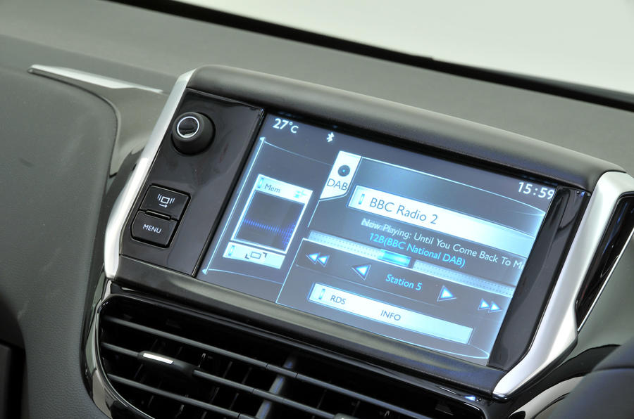 Peugeot 208 infotainment system