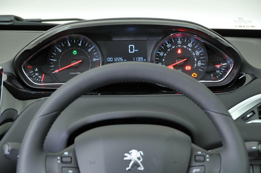 Peugeot 208 instrument cluster