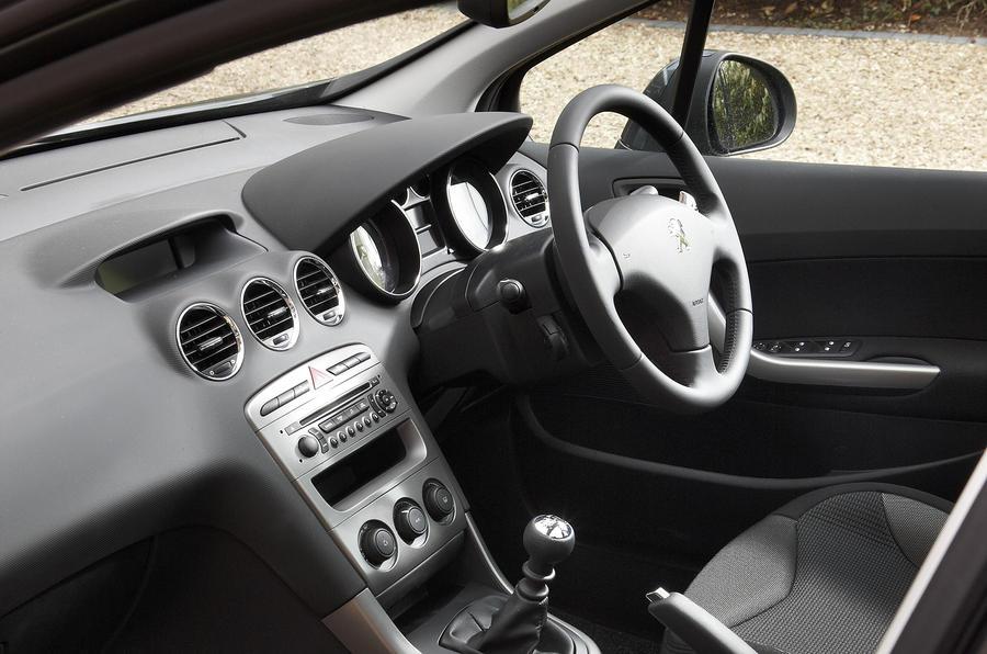 https://www.autocar.co.uk/sites/autocar.co.uk/files/styles/gallery_slide/public/peugeot-308-15.jpg?itok=HRHyHniV
