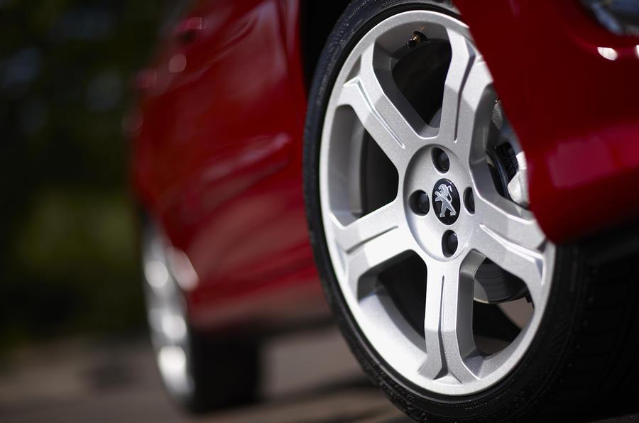 Peugeot 308 alloy wheels