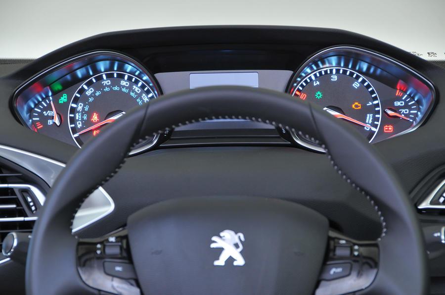 Peugeot 308 Review (2018) | Autocar