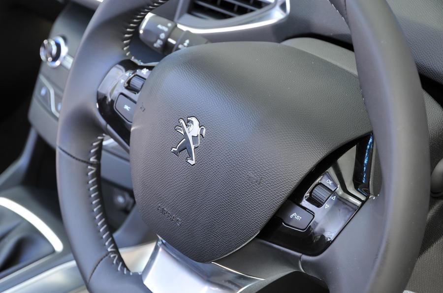 Peugeot 308 steering wheel