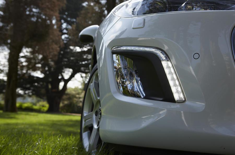 Peugeot 308 CC foglights
