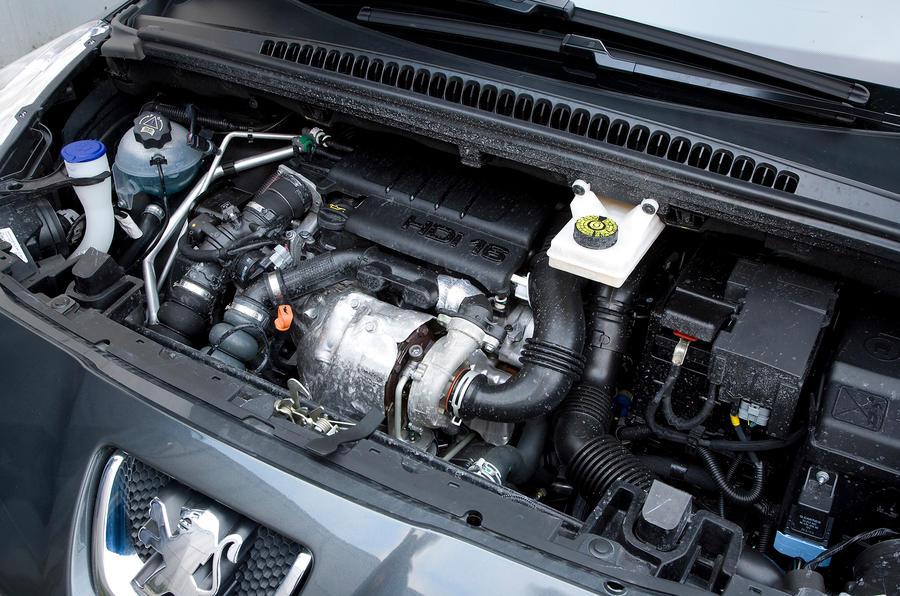 1.6-litre Peugeot 5008 diesel engine