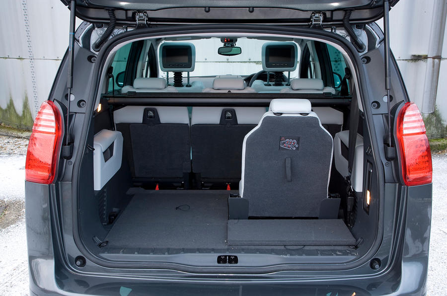 Peugeot 5008 Wagon Trunk Space