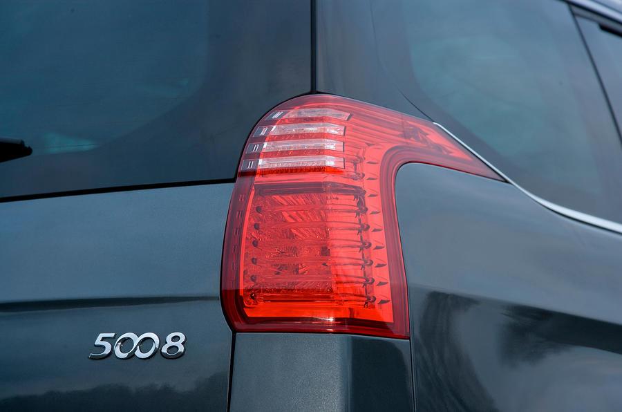 Peugeot 5008 rear light