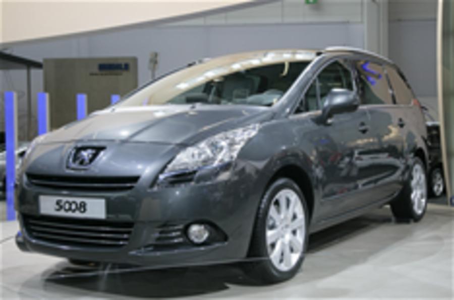 Peugeot unveils 5008 MPV
