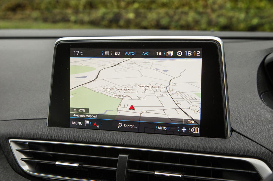 Peugeot 5008 infotainment system