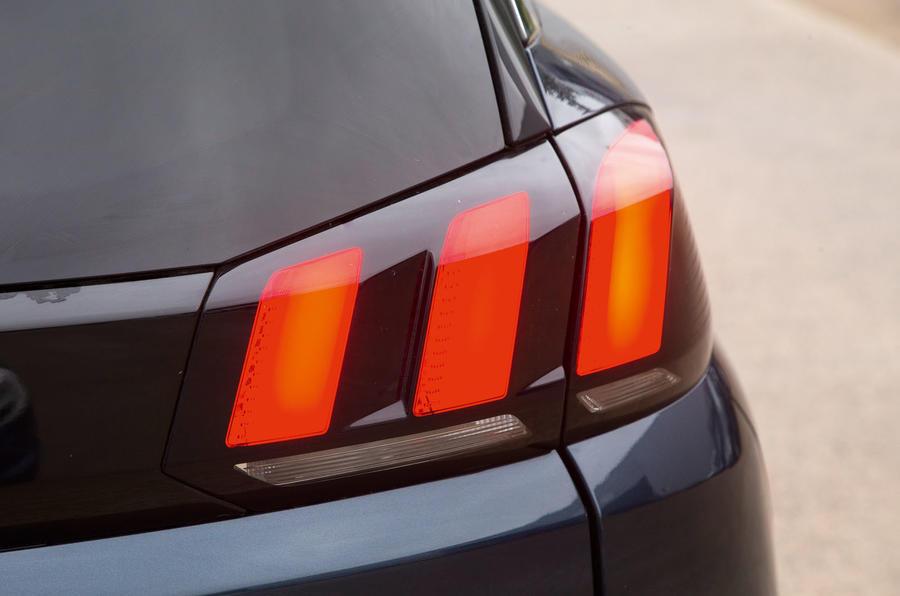 Peugeot 5008 rear lights