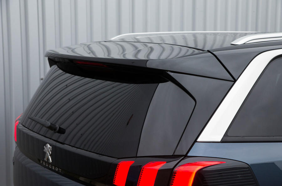 Peugeot 5008 rear spoiler