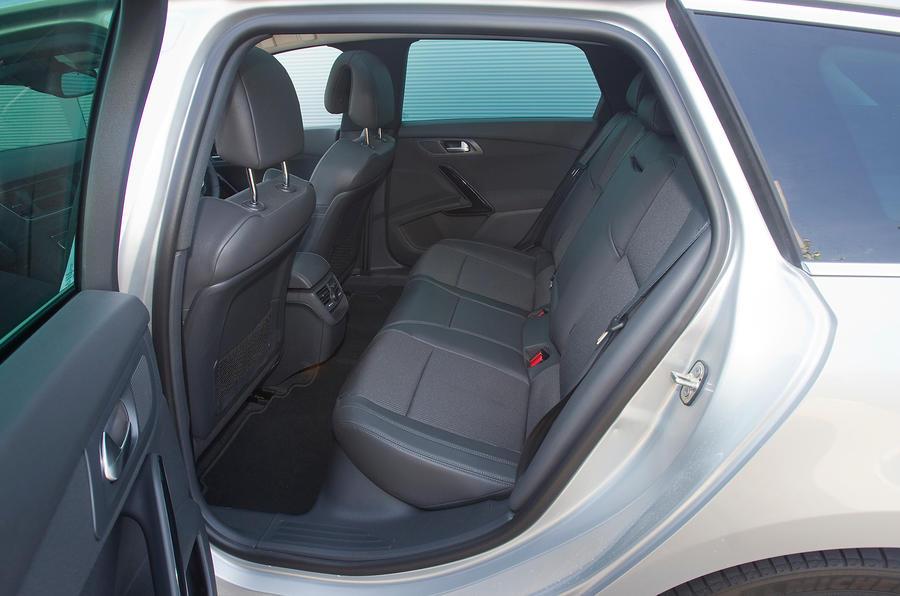 Peugeot 508 SW rear seats