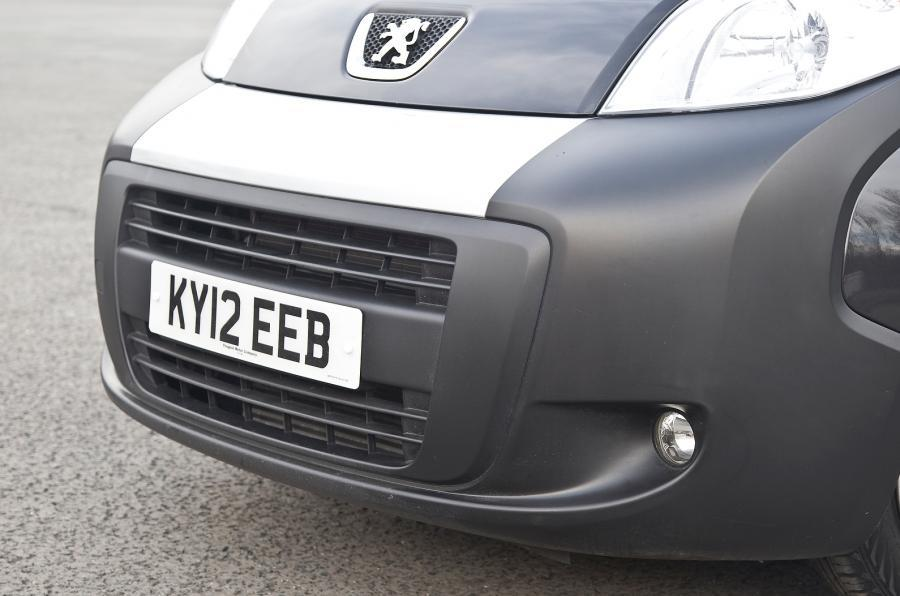 Peugeot Bipper Tepee front grille