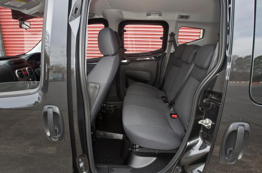 Peugeot Bipper Tepee middle row seats