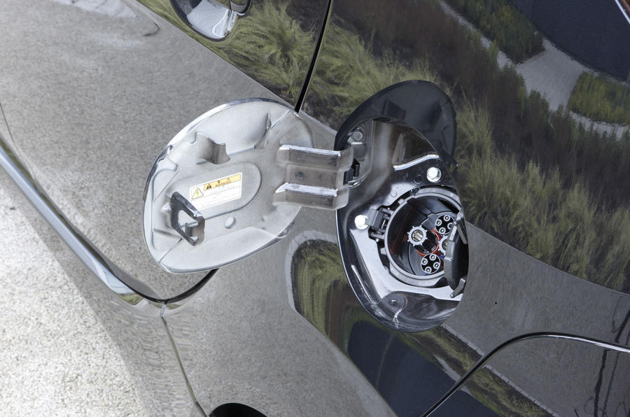 Peugeot iOn charging port