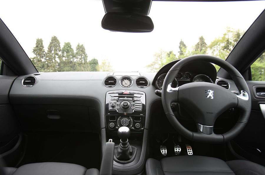 Peugeot RCZ dashboard