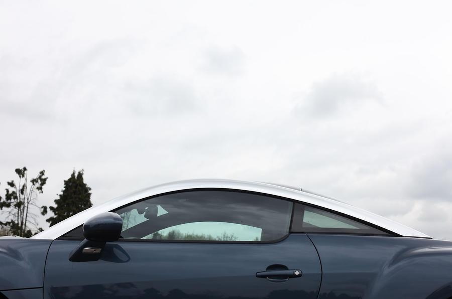 Peugeot RCZ Coupé roofline