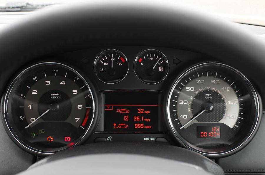 Peugeot RCZ instrument cluster