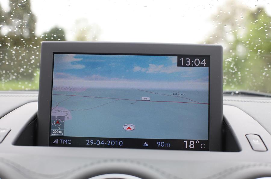 Peugeot RCZ infotainment system