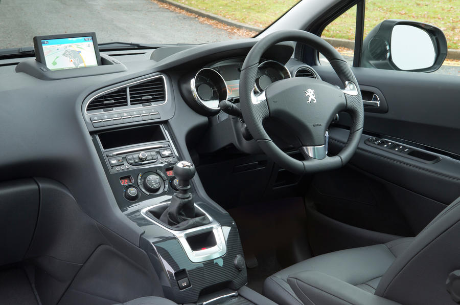 2014 peugeot 5008 allure hdi 115 diesel first drive. Black Bedroom Furniture Sets. Home Design Ideas