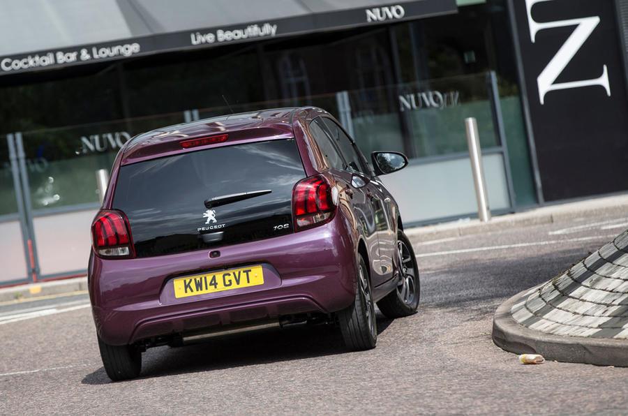 Peugeot 108 rear cornering