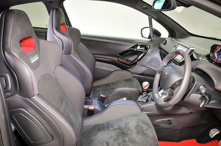 Peugeot 208 GTi 30th interior