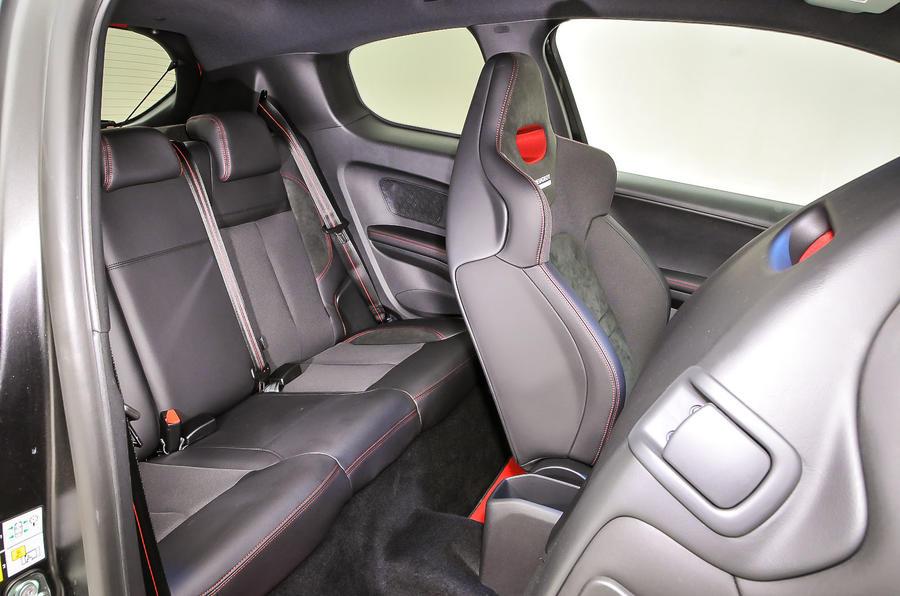 Peugeot 208 GTi 30th rear seats