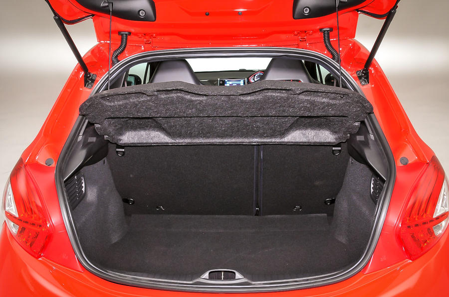 Peugeot 208 GTi boot space