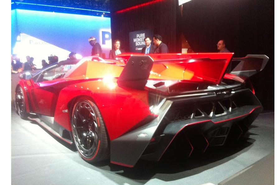 Lamborghini Veneno roadster confirmed