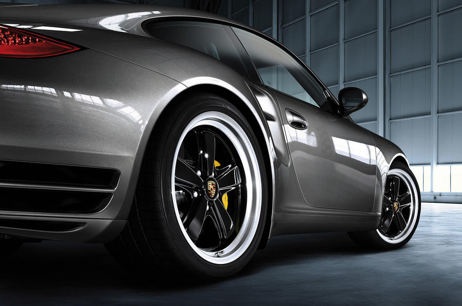 Paddle shifters come to Porsche