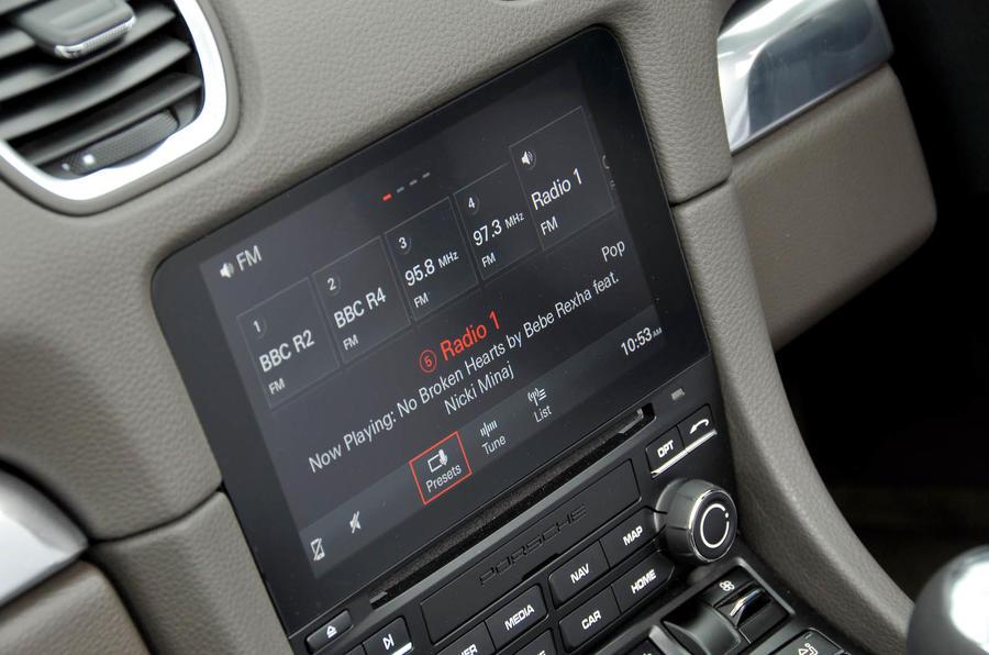 Porsche 718 Boxster infotainment system