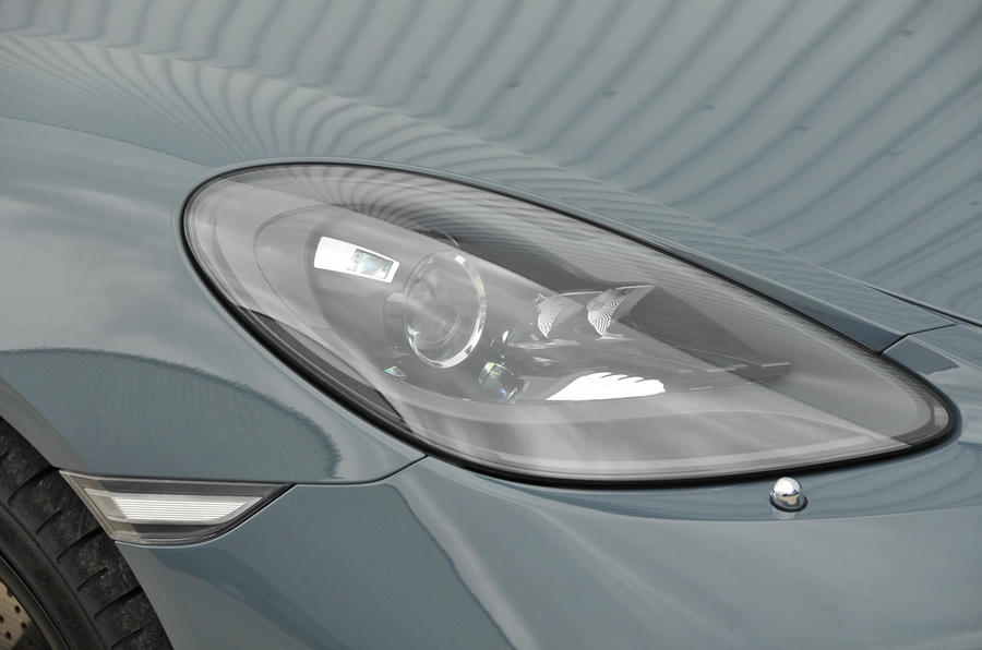 Porsche 718 Boxster xenon headlights