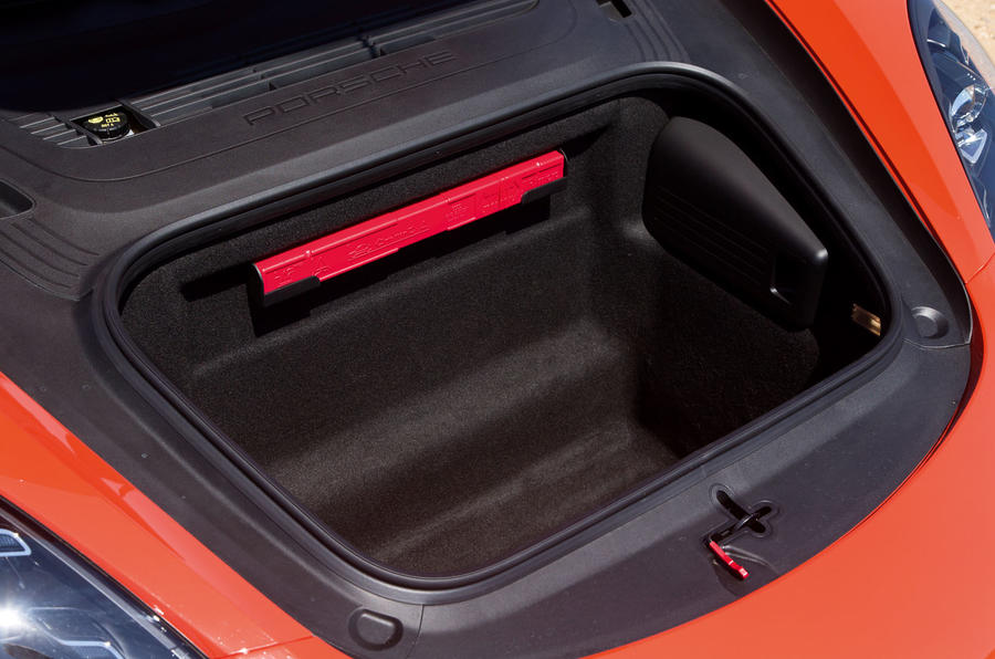 Porsche 718 Cayman front boot space