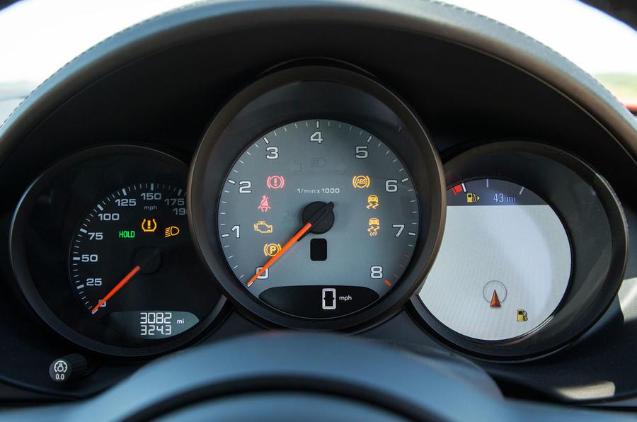 Porsche 718 Cayman instrument cluster
