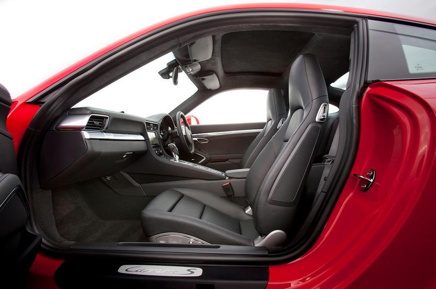 Porsche 911 sport seats