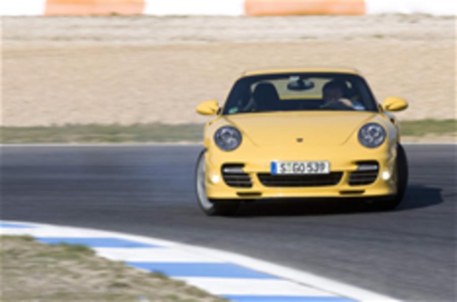 Video: Porsche 911 Turbo driven
