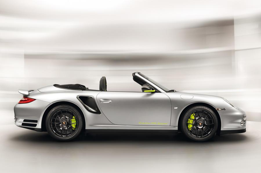 Porsche 918 to cost £672k