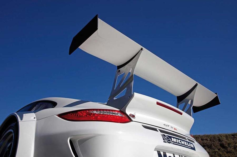 New Porsche 911 racer revealed