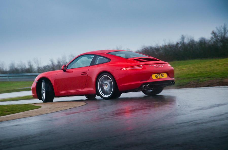 Porsche 911 rear drifting